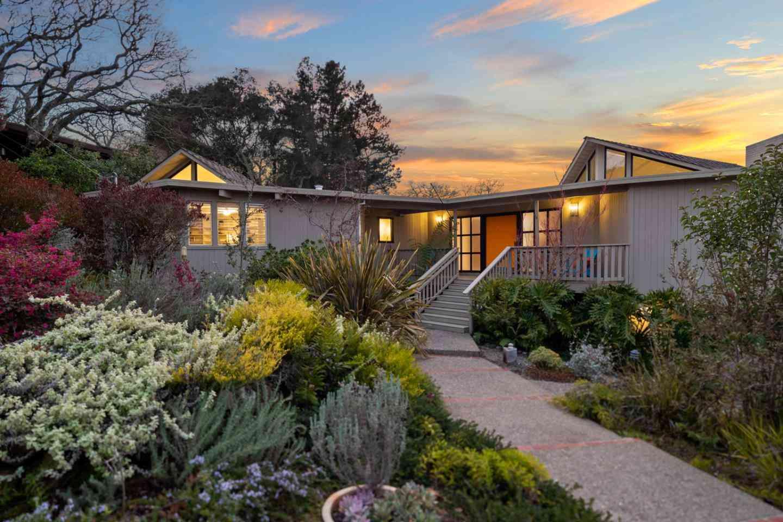 812 La Mesa Drive, Portola Valley, CA, 94028,