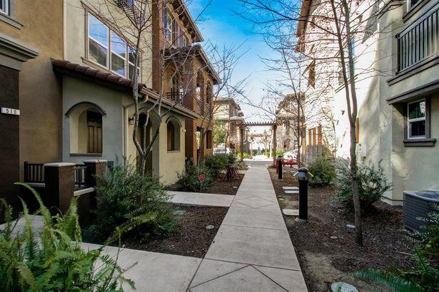 2880 Monroe Terrace