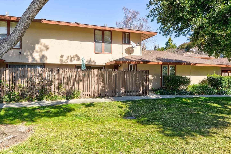 236 Red Oak Drive #J, Sunnyvale, CA, 94086,