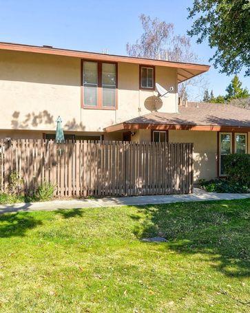 236 Red Oak Drive #J Sunnyvale, CA, 94086