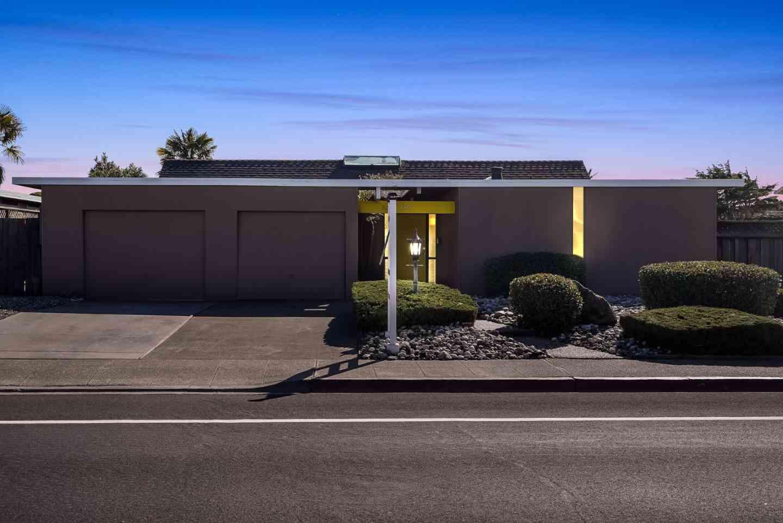 750 Gull Avenue, Foster City, CA, 94404,