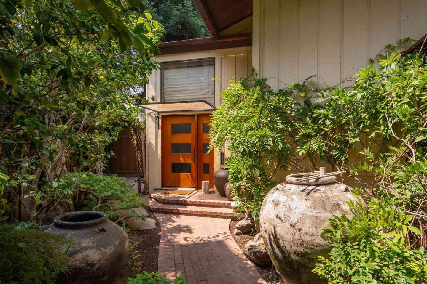 1007 Forest Court, Palo Alto, CA, 94301,