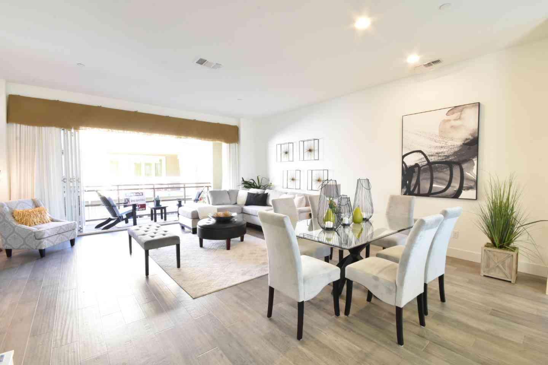 Sunny Living Room, 333 Tempo Lane, Milpitas, CA, 95035,