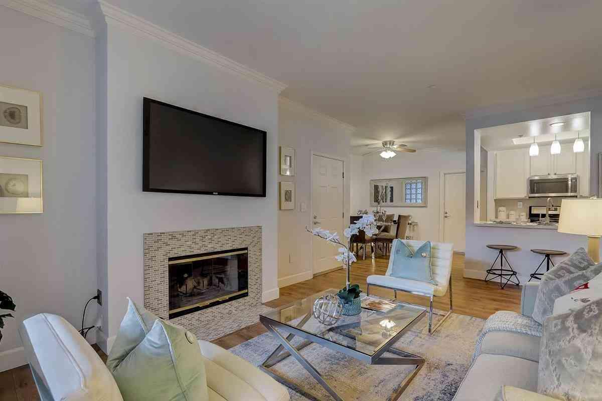 607 Arcadia Terrace #102, Sunnyvale, CA, 94085,