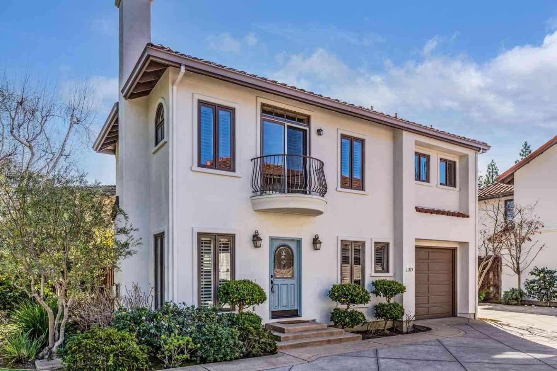 1329 Hoover Street, Menlo Park, CA, 94025,