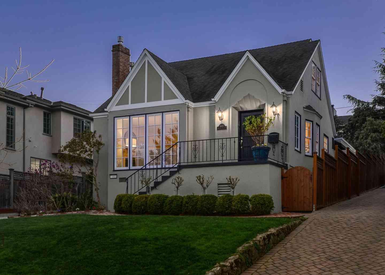 1445 Benito Avenue, Burlingame, CA, 94010,