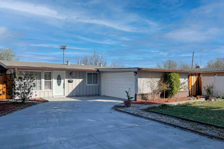 1277 Manzano Way, Sunnyvale, CA, 94089,