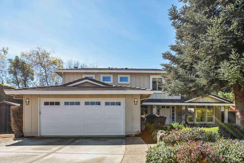 1310 Bright Oaks Court, Los Altos, CA, 94024,