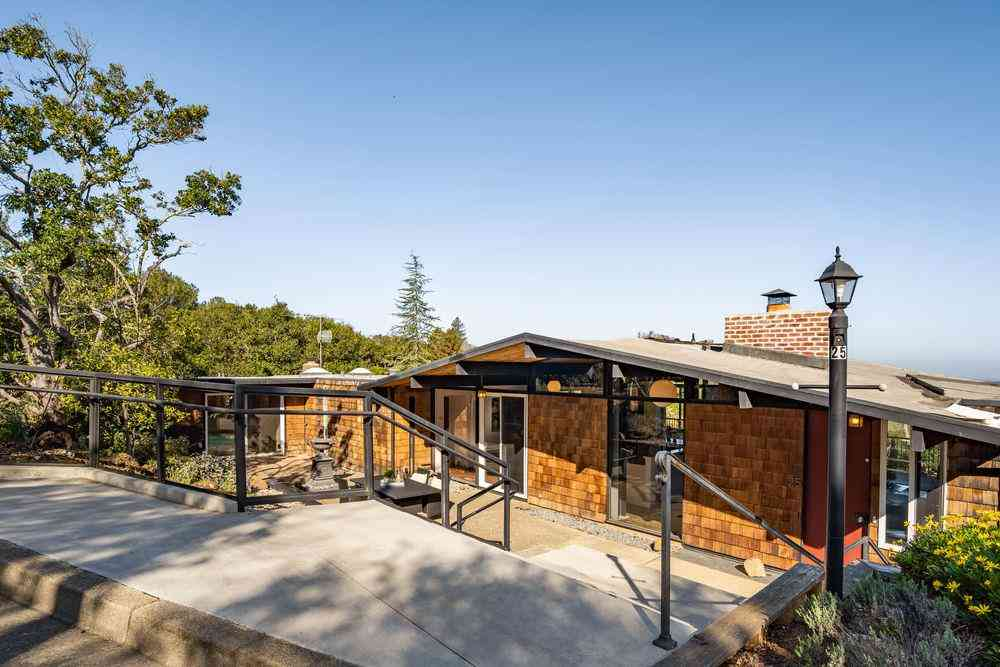 25 Lerida Court, Portola Valley, CA, 94028,