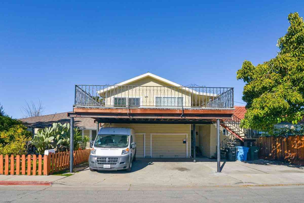 1025 8th Avenue, Redwood City, CA, 94063,