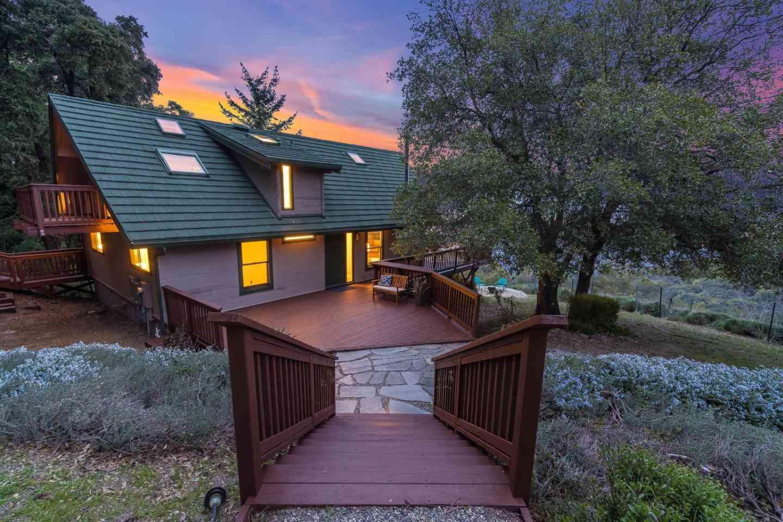Sunny Living Room, 16830 Bohlman Road, Saratoga, CA, 95070,