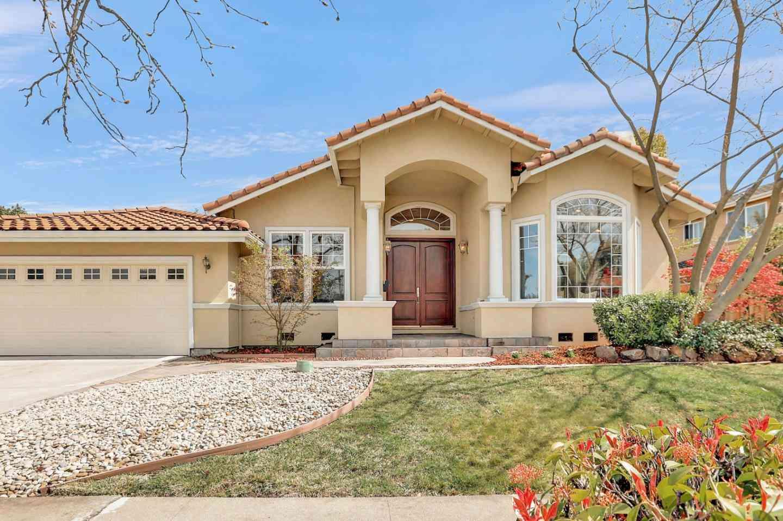 10324 Richwood Drive, Cupertino, CA, 95014,