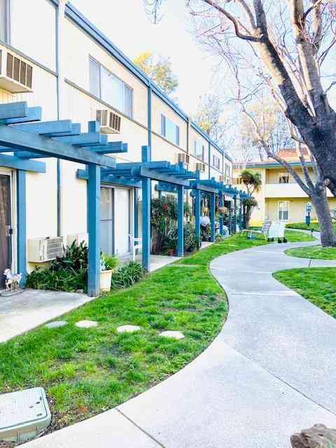 1731 Ellis Street #13, Concord, CA, 94520,