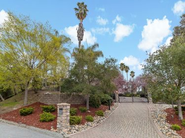 28437 Christopher Lane, Los Altos Hills, CA, 94022,