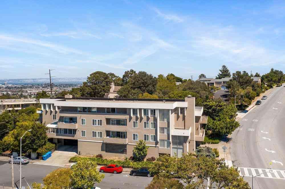 1190 West Hillsdale Boulevard, San Mateo, CA, 94403,