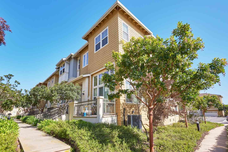 25 Bremerton Cir., Redwood Shores, CA, 94065,