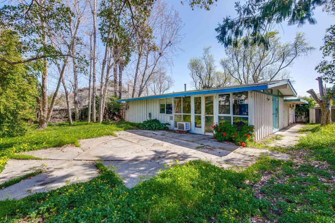 10827 Minette Drive, Cupertino, CA, 95014,