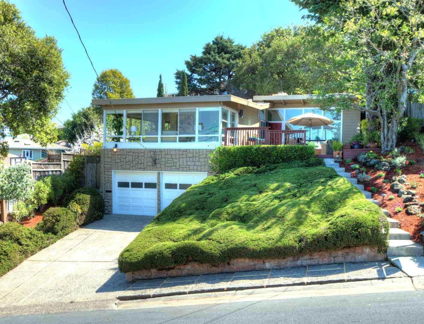 255 West 40th Avenue, San Mateo, CA, 94403,
