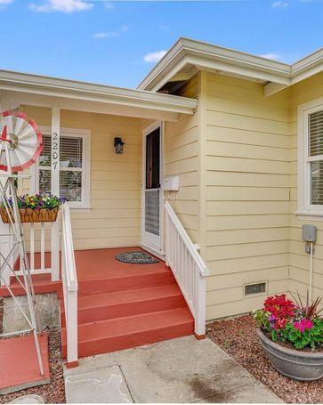 2207 Flores Street San Mateo, CA, 94403