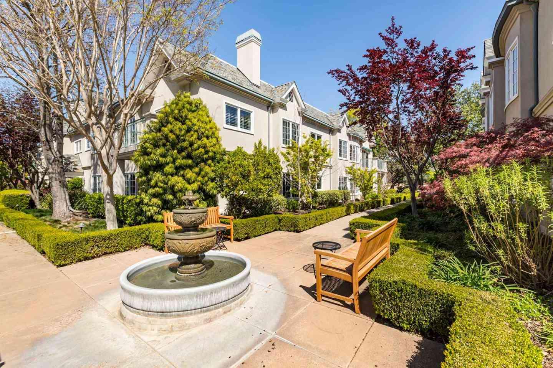 1 West Edith Avenue #C116, Los Altos, CA, 94022,