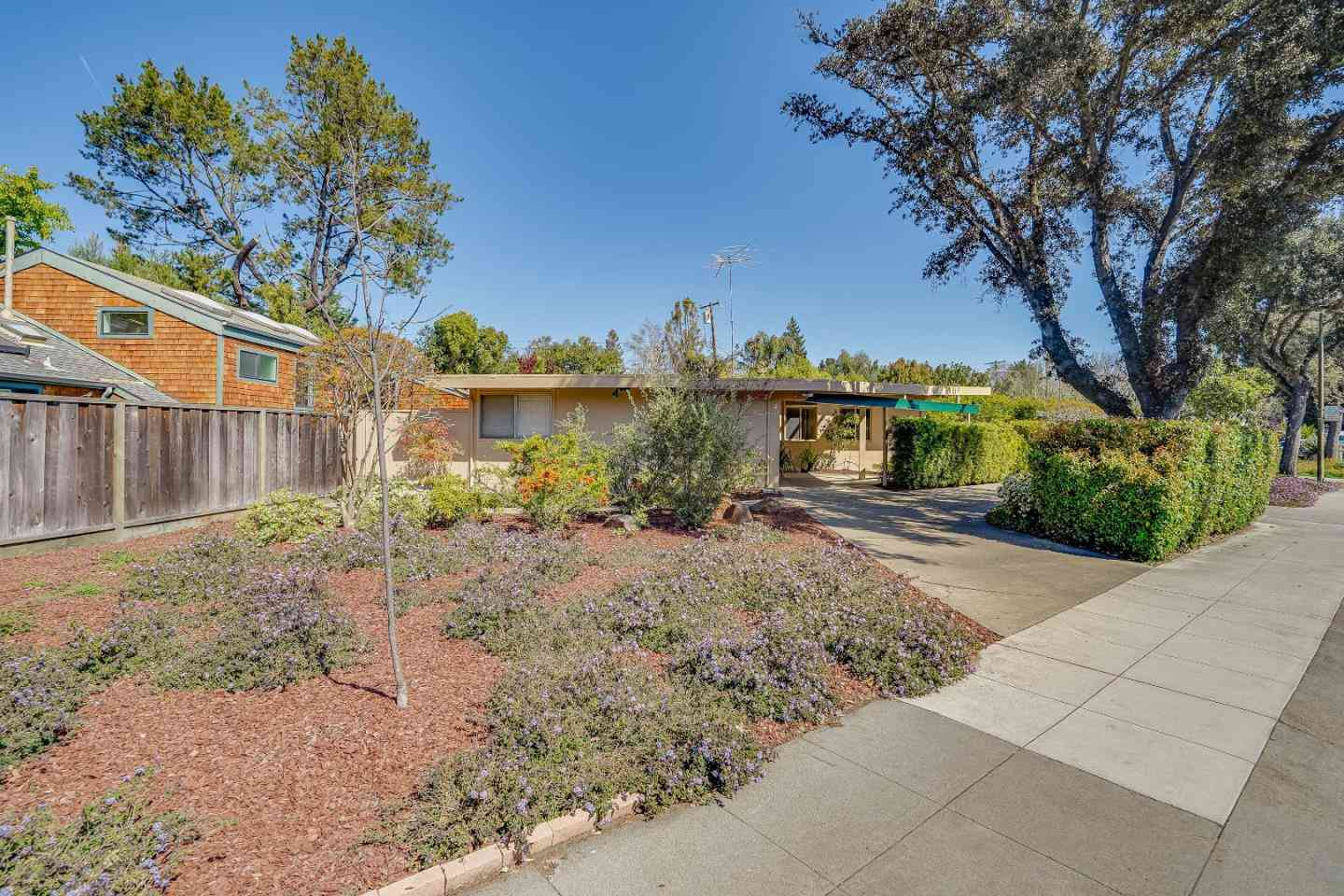 869 East Meadow Drive, Palo Alto, CA, 94303,