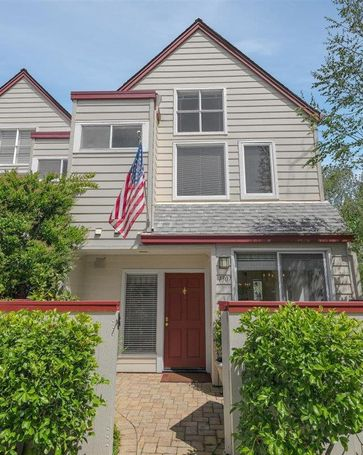 1307 Chelsea Way Redwood City, CA, 94061