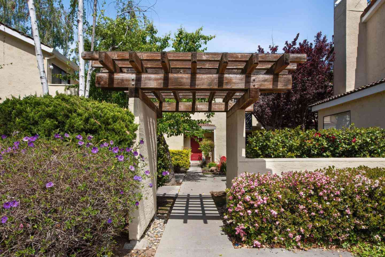 227 Ada Avenue #C, Mountain View, CA, 94043,