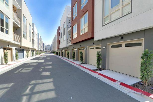 330 Riesling Avenue #10