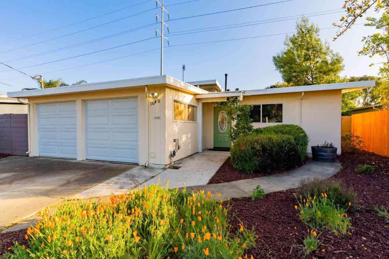 1640 Purdue Avenue, East Palo Alto, CA, 94303,