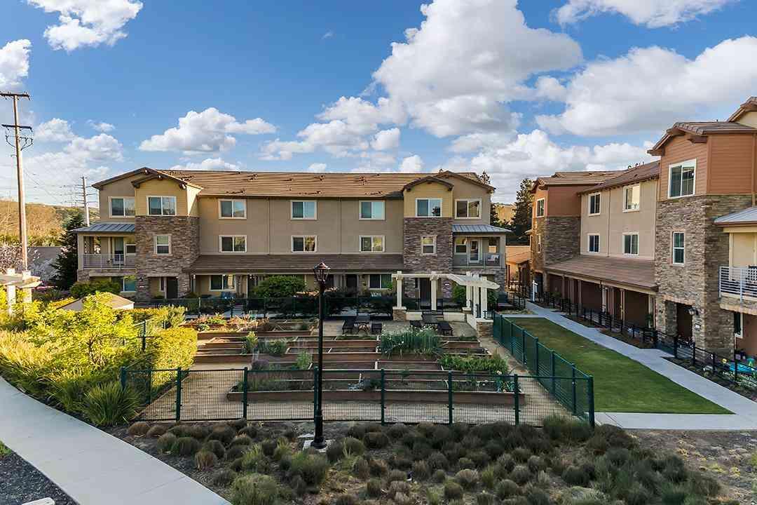 875 White Moonstone Loop, San Jose, CA, 95123,