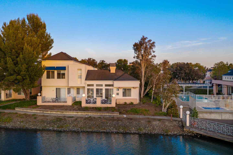 799 Mediterranean Lane, Redwood Shores, CA, 94065,