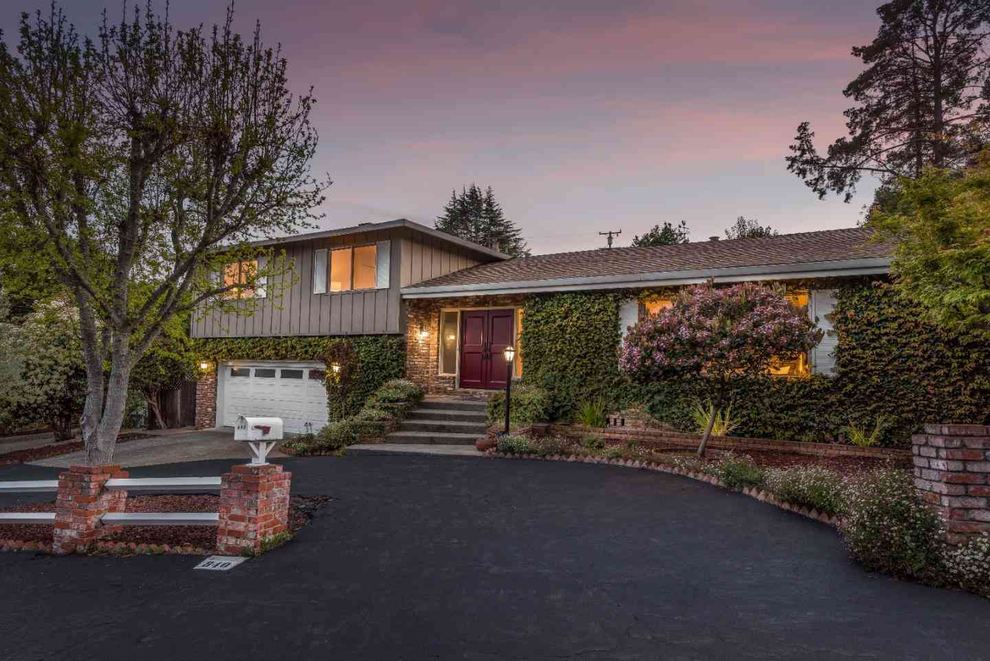 840 HOLLY Road, Belmont, CA, 94002,