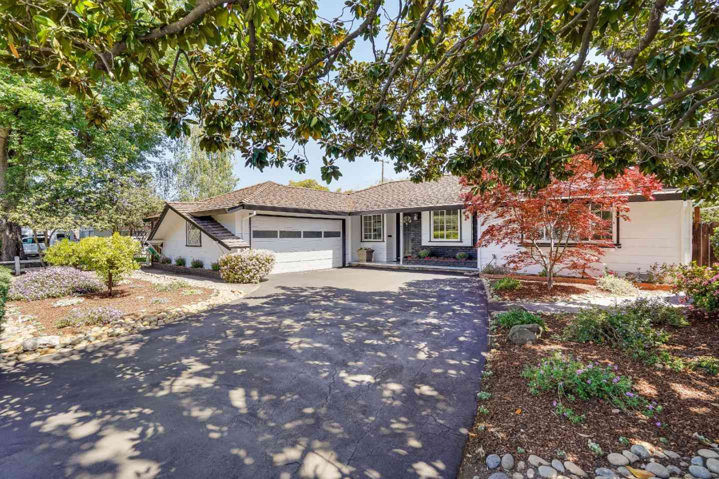 1667 South Springer Road, Mountain View, CA, 94040,