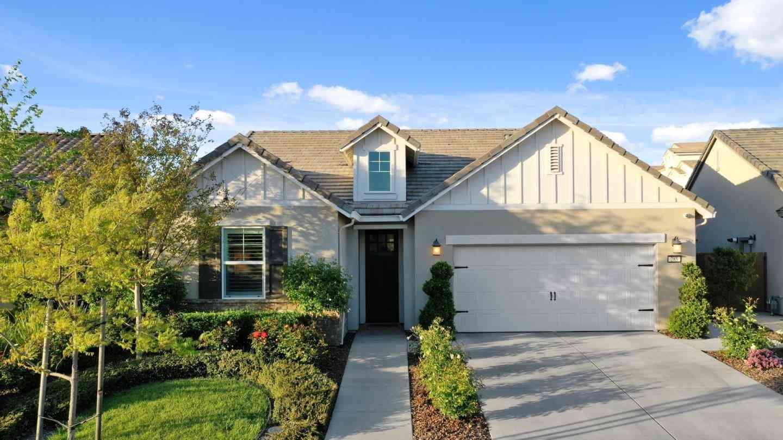 285 Isabella Drive, Lodi, CA, 95240,