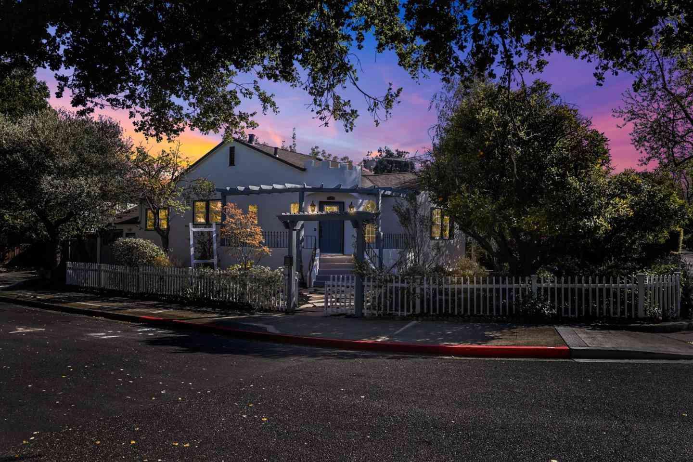 705 Live Oak Avenue, Menlo Park, CA, 94025,