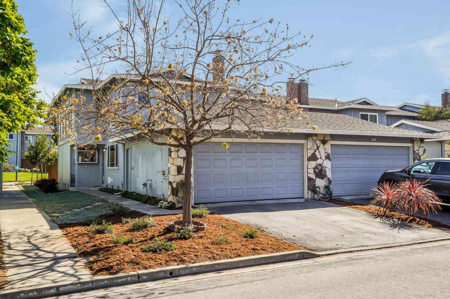 1517 Canna Court, Mountain View, CA, 94043,