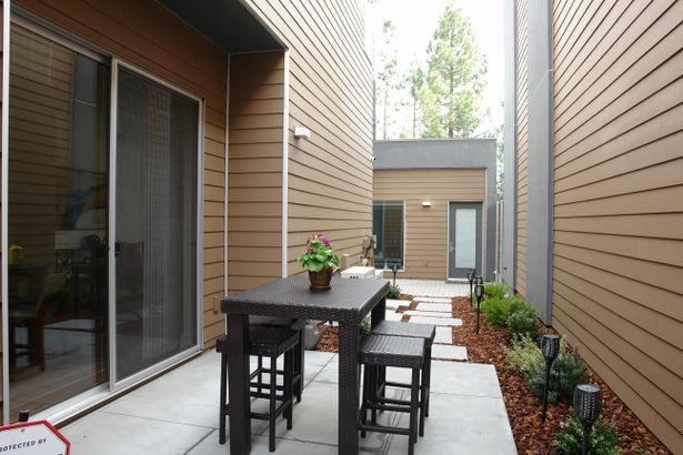 10111 North Foothill Boulevard