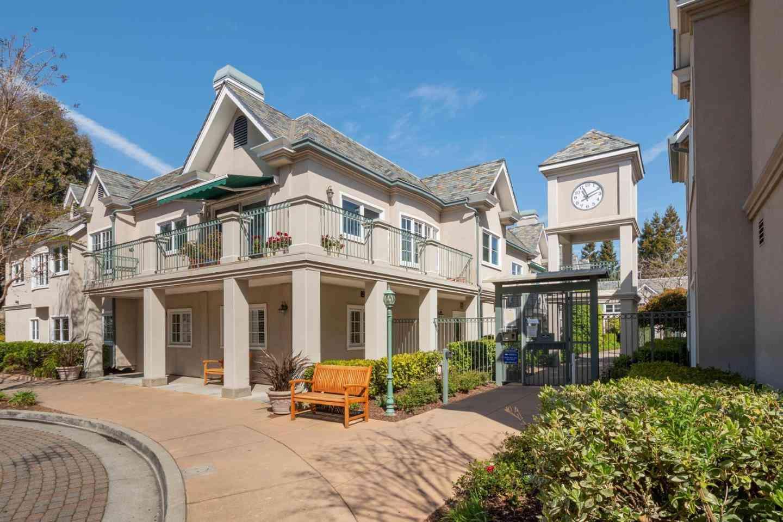 1 West Edith Avenue #C119, Los Altos, CA, 94022,