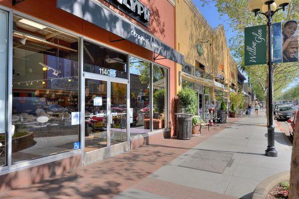 1684 Everett Avenue