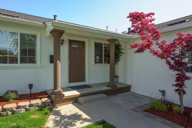 2433 Homewood Drive