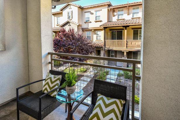 1129 Mallow Terrace