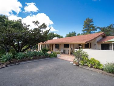 11585 Mccarthy Road, Carmel Valley, CA, 93924,