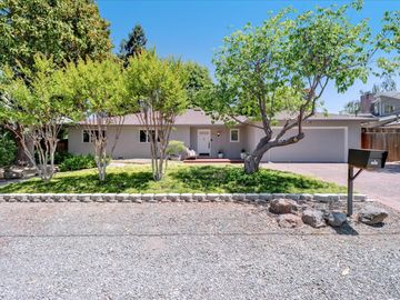 1061 Russell Avenue, Los Altos, CA, 94024,