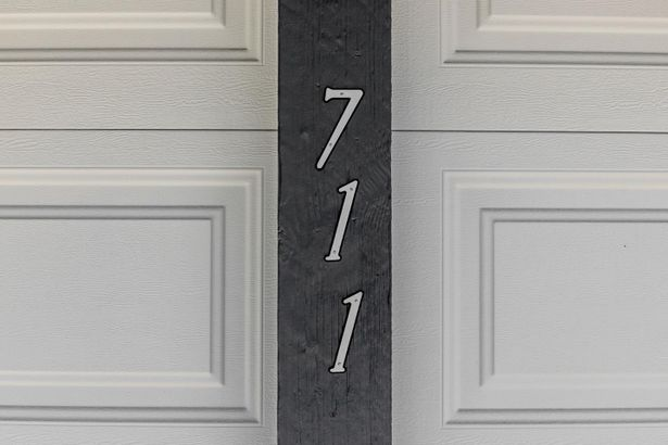 711 Hillcrest Way
