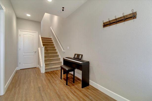 225 Ryan Terrace
