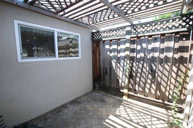 1430 Courtyard Drive