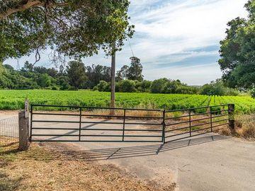 30 Maher Road, Royal Oaks, CA, 95076,