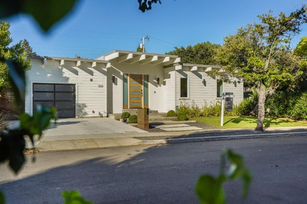 949 Rosewood Drive