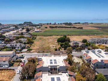 449 Pine Avenue, Half Moon Bay, CA, 94019,