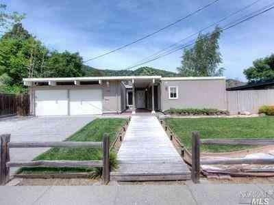 630 Appleberry Drive, San Rafael, CA, 94903,